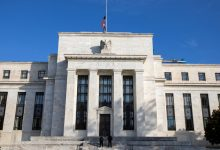 Fed temporarily relaxes reserve capital requirements for large banks
