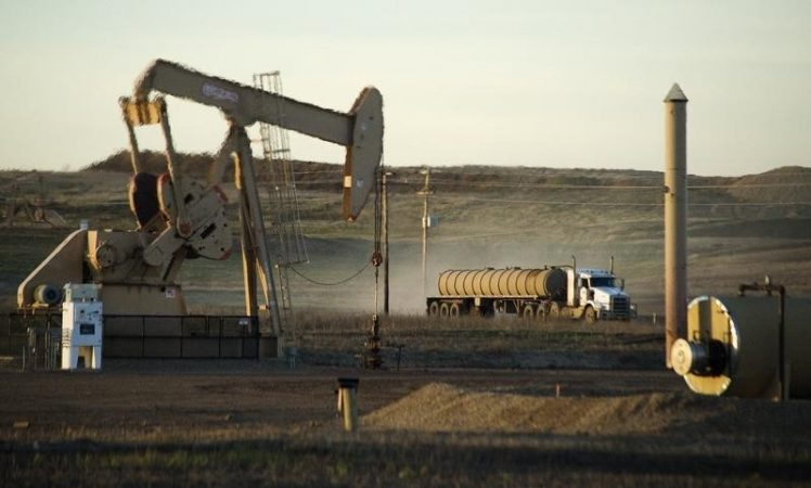 Oil prices continue to decline