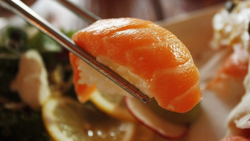 scientists told why sushi should not be eaten