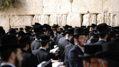 Photo of Israeli chief rabbi prepares to meet Messiah