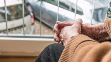 Photo of Israeli doctor clarifies the dangers of self-isolation for older people