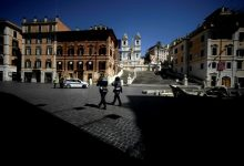 Italy seeks safe exit from containment
