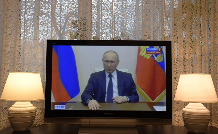 Russia expects Putin to be in the spotlight during the crisis so where is he