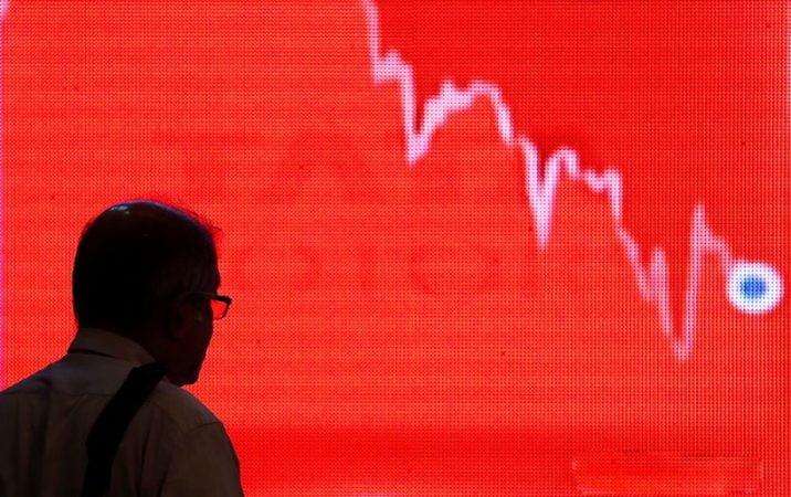 Viral pessimism millionaire investors prepare for new stock market downturn