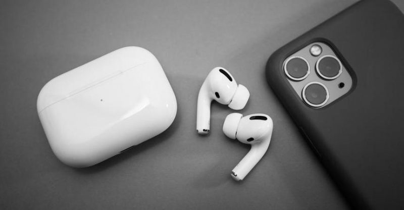 Apple tried to fix AirPods Pro with a fresh update