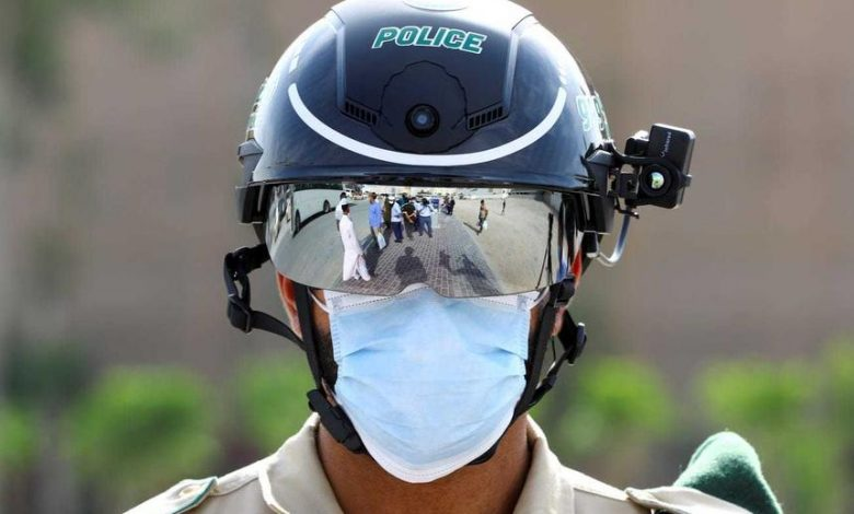 Chinese police issued helmets to automatically measure people's temperature