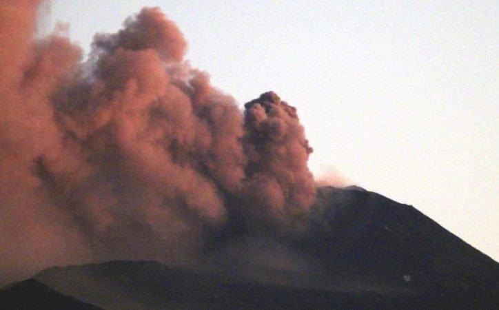 Explosive activity on the volcano Etna Italy