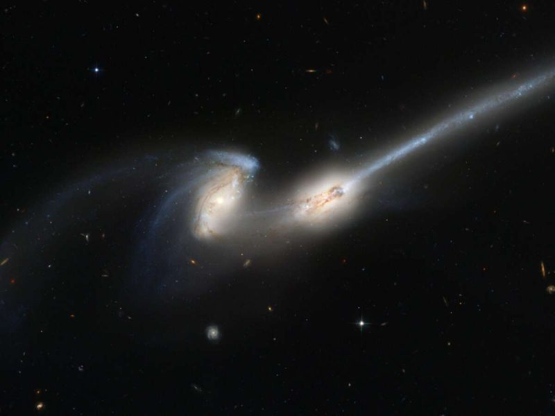 Mergers of galaxies cause activity in their core 1