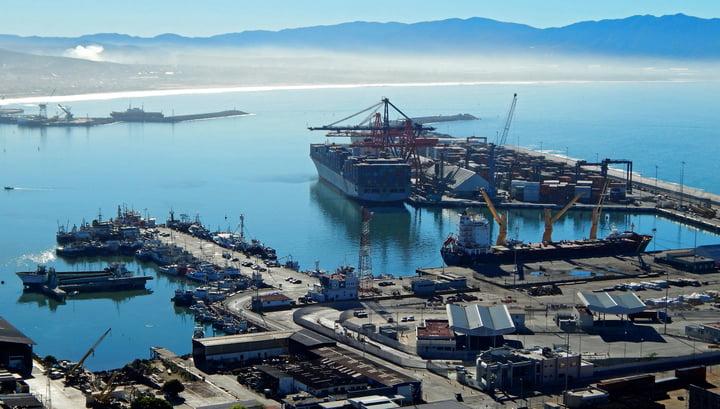 Mexico recorded a record trade deficit