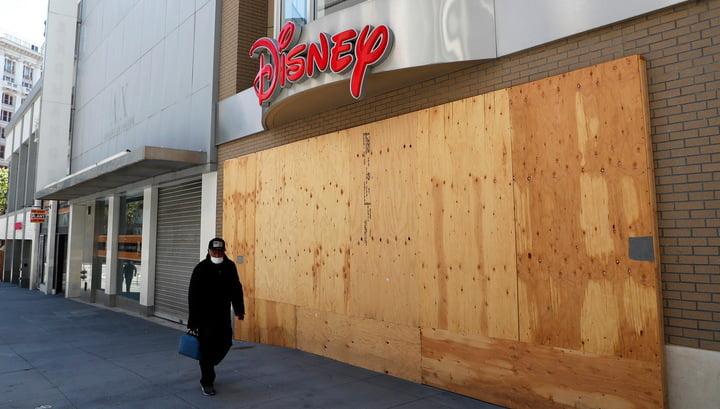 Pandemic cost Disney billion