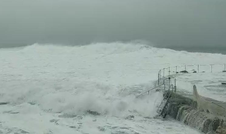 Powerful storm hit Australia