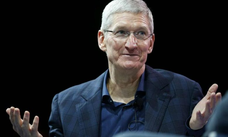 The head of Apple called the new low cost iPhone SE the reason to switch from Android devices
