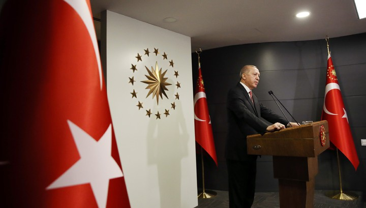 Turkey tightens foreign policy rhetoric
