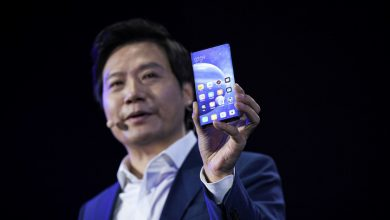 Xiaomi founder caught using iPhone