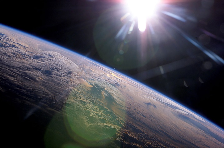 Astrophysicist urged humanity to stay on Earth and not go beyond the atmosphere