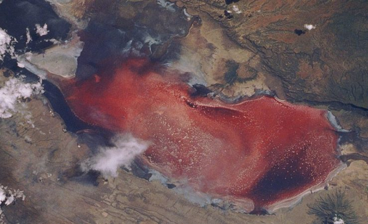 The most terrible lake on Earth is in Africa 2