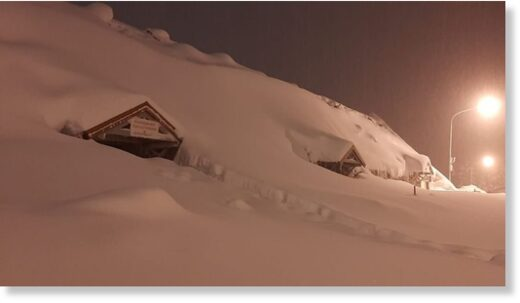 Anomalous amount of snow falls in the Andes