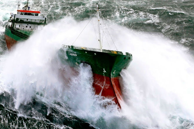 Incredible video from ship passengers caught in a 10 point storm