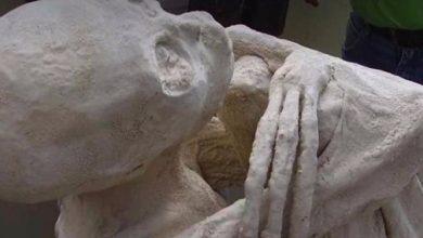 Mummies with three fingers from Peru