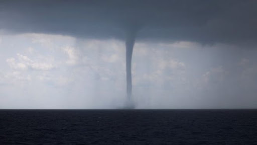 Giant waterspout came ashore in Salerno Italy