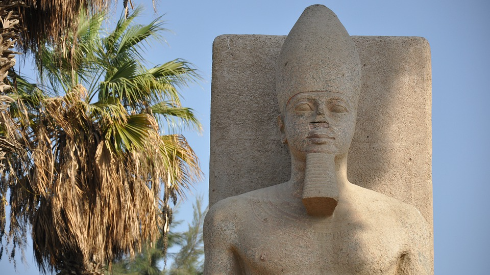 The mystery of the century revealed it became known why the noses of the ancient Egyptian statues were broken