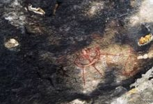 10 000 year old UFO rock carvings puzzled by archaeologists