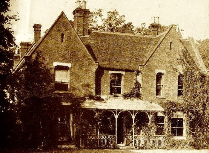 The story of a real ghost hunter 4