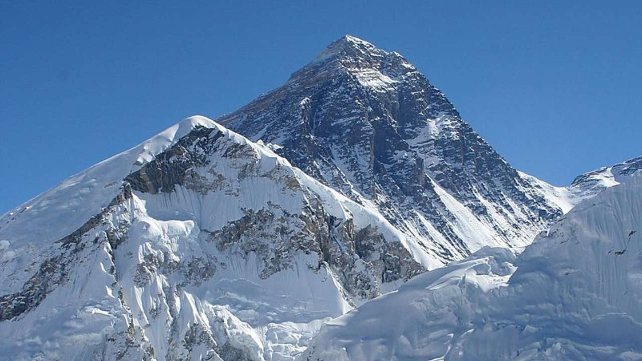 China and Nepal report new height of Everest