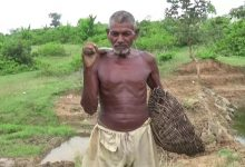 30 year old man dug a passage to the source to give water to his fellow villagers