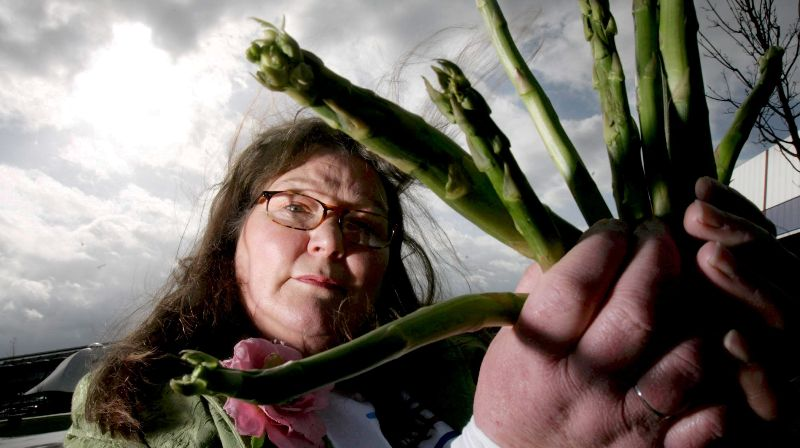 British asparagus fortune teller made a prediction for 2021