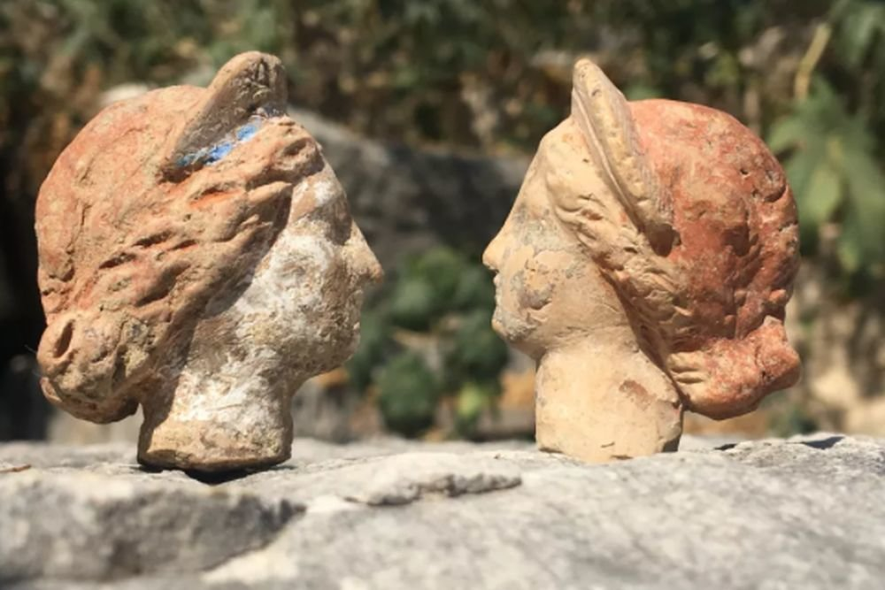 2300 year old terracotta gods found in the mysterious world