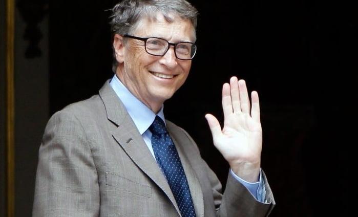 Bill Gates prepares to block the Sun