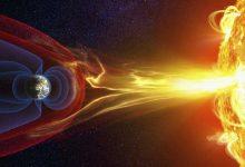 Powerful solar wind cracks in Earths magnetic field