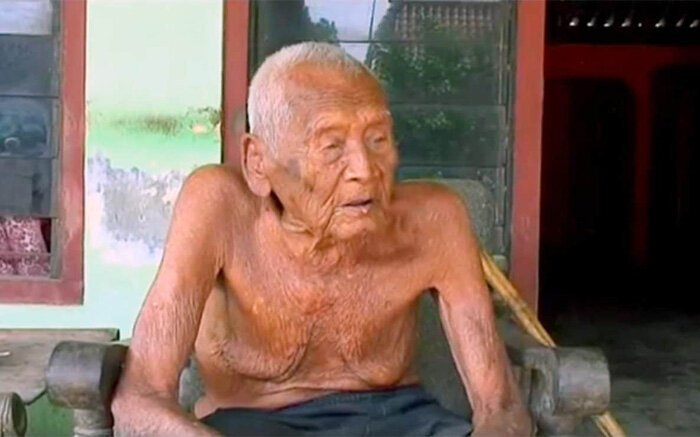 The oldest man on the planet 2