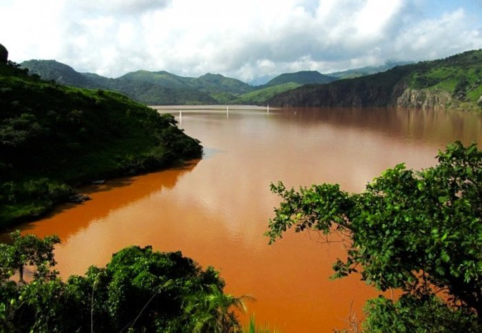 Toxic nature the most dangerous lakes on the planet in which you can not swim 5
