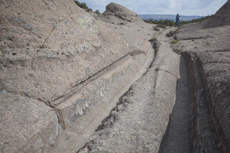 Who left traces of two meter wheels in Turkey 14 million years ago 3