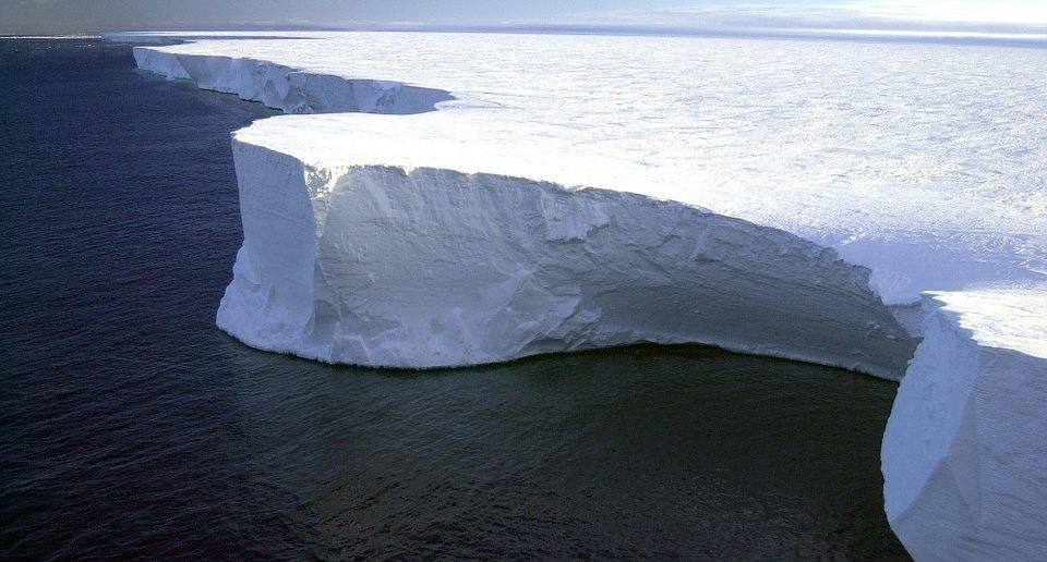 A68 the largest iceberg on Earth has melted in the Pacific Ocean