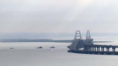 Russia blocks the Kerch Strait