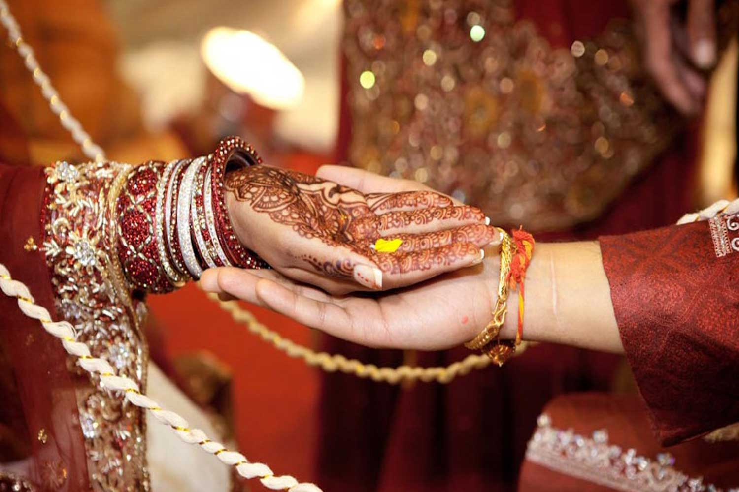 A guy from India married two sisters now he faces a prison 2