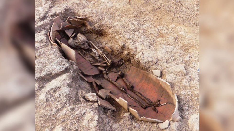 Forty amphorae with human remains found in Corsica