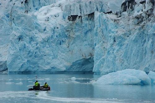 Icequakes indicate movement of Antarctic glaciers