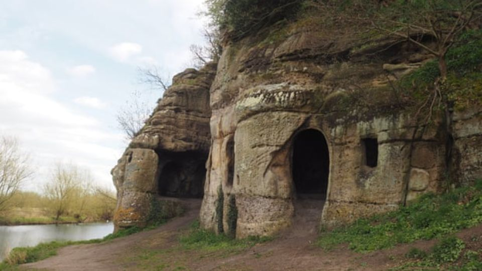 In Great Britain found the cave in which the exiled king lived