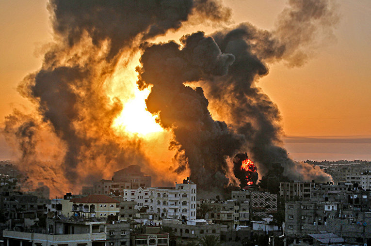 Israel and the Gaza Strip on fire 13