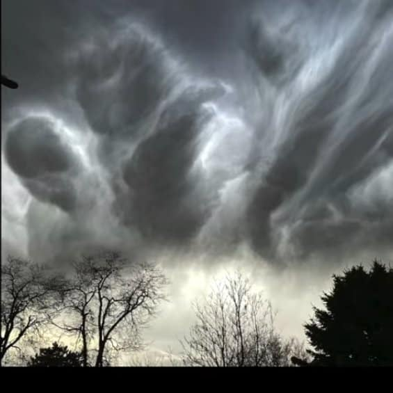 Strange clouds are seen all over the world 10