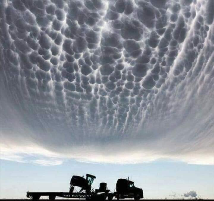 Strange clouds are seen all over the world 22