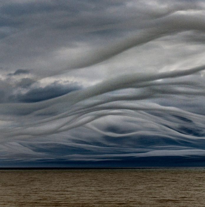 Strange clouds are seen all over the world 4