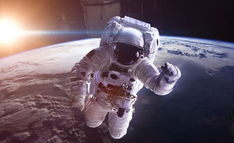 Why do people in space start to twitch their eyes