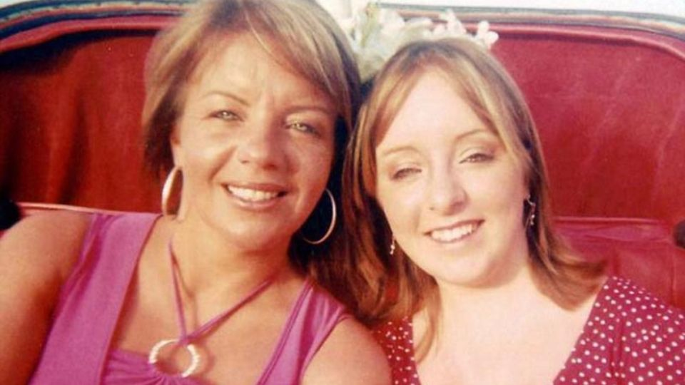 British woman claims chewing gum is to blame for her daughters death