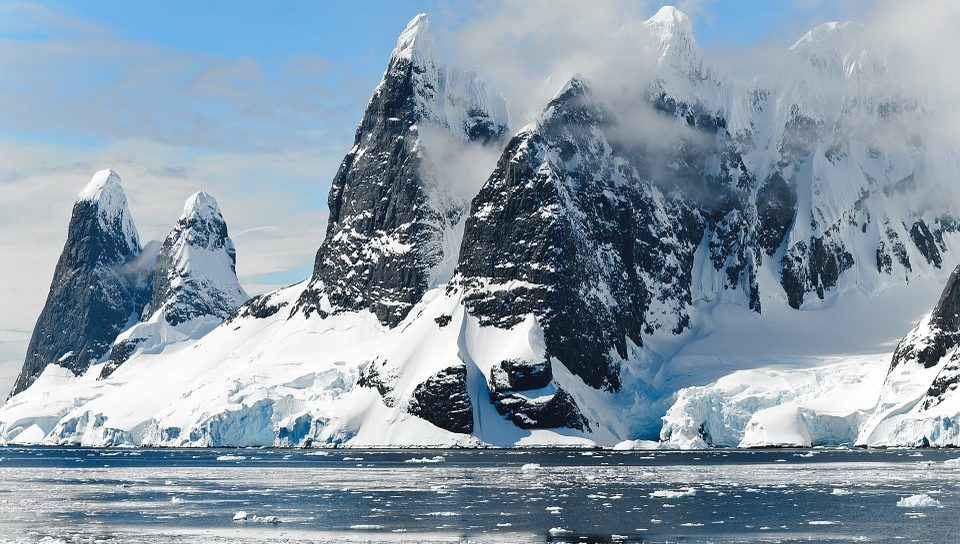 In Antarctica a lake suddenly disappeared
