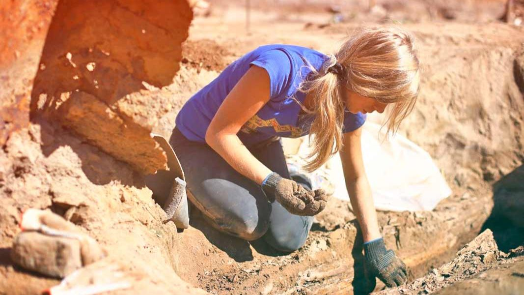 Lead found in human remains 12 000 years old